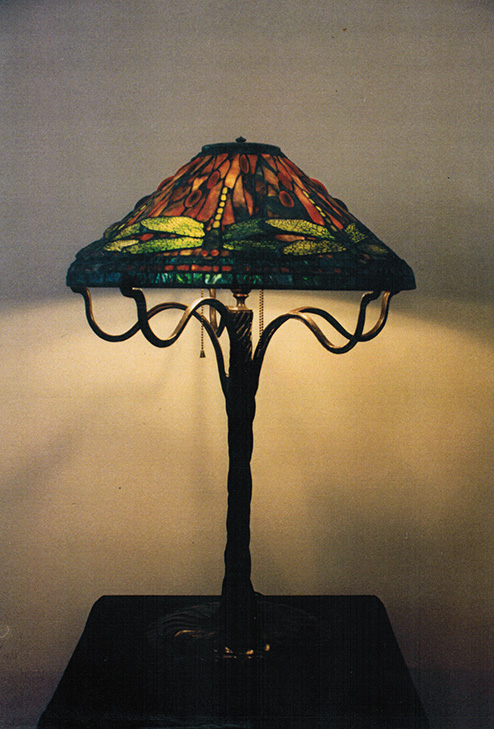 reproduction of tiffany 20 dragonfly stained glass lamp. Black Bedroom Furniture Sets. Home Design Ideas