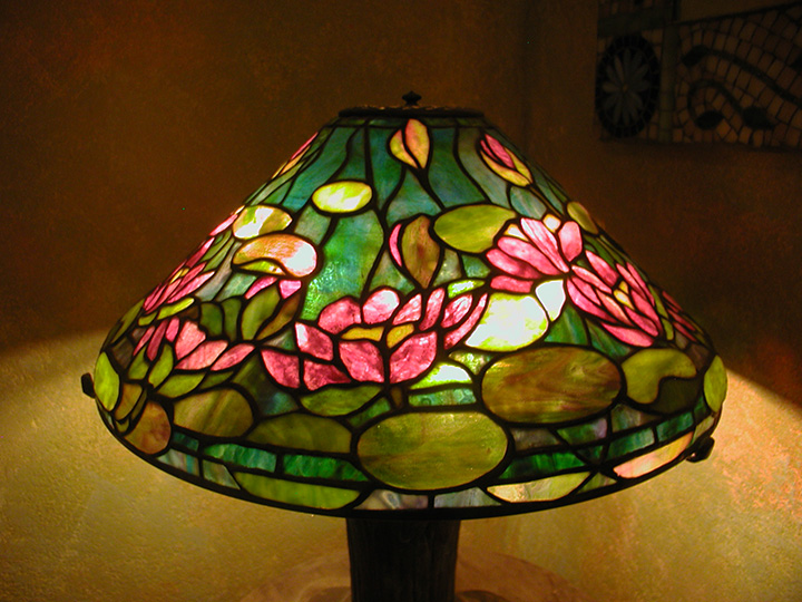 "Reproduction of Tiffany 20"" Waterlilly Lamp"