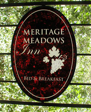 Meritage Meadows Inn Transom