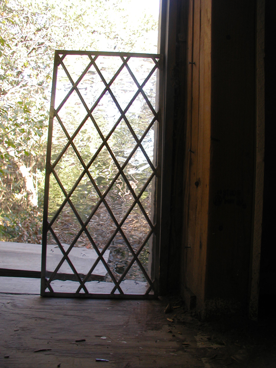 Classic diamond lite leaded glass window