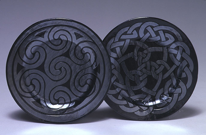 "7"" Slumped Glass Celtic Spirals Plate"
